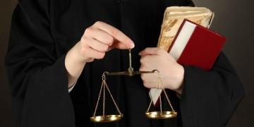 avocat-enleve-soutien-gorge