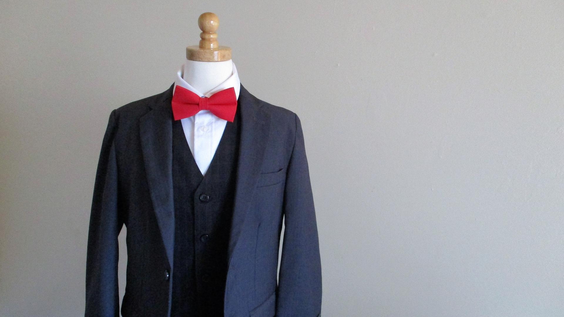 Cravate rouge entretien d'embauche